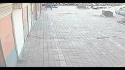مردی زن خود را در وسط خیابان اتش زد !!!