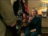 واکنش هیالاری کلینتون به مرگ قذافی بعد از دیدن عکس مرده قذافی