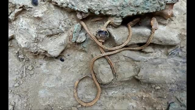 کشف گنج 3 هزار و 500 ساله در یونان