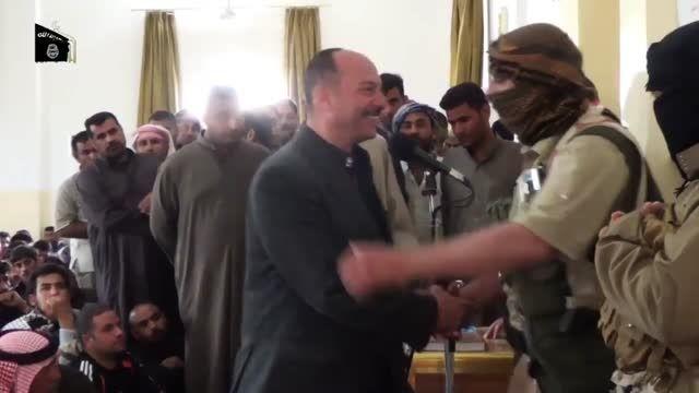 توبه کردن و گرفتن امان از داعش با دست گذاشت رو قران