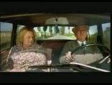 وقتی یک مادربزرگ تصمیم به رانندگی می گیرد