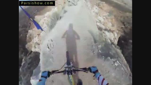 صحنه های هیجان انگیز دوچرخه سواری کوهستان