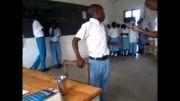 تنبیه بی شرمانه معلم با چوب