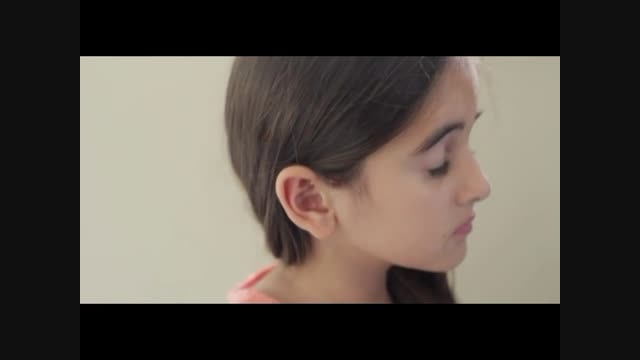 دختر کوچولو مقیم خارج برای ایران می خواند...زیبا