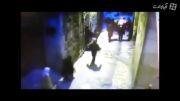 حمله یک جوان فلسطینی به دو پلیس اسرائیلی با چاقو ...!
