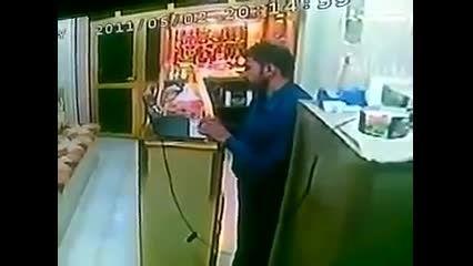 جنایت ترروریستی کشتن مغازه دار عراقی 25+