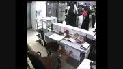 دزدی پسر بچه همراه مادرش از مغازه لوازم خانگی !!!