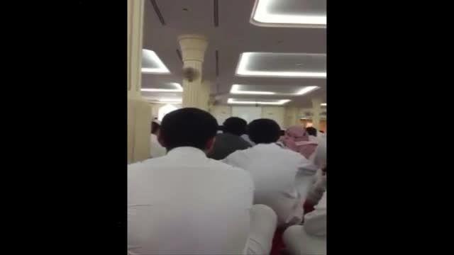 لحظه انفجار تروریستی داخل مسجد امام حسین - دمام عربستان