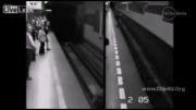 نجات معجزه آسای یک زن از زیر ریل قطار