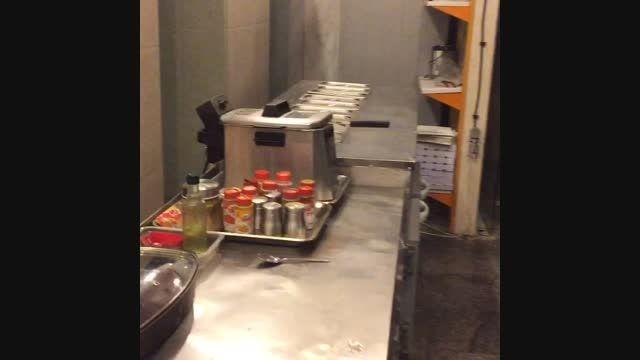 پشت صحنه رستوران ها - آشپزخانه رستوران فرنگی دایان مشهد