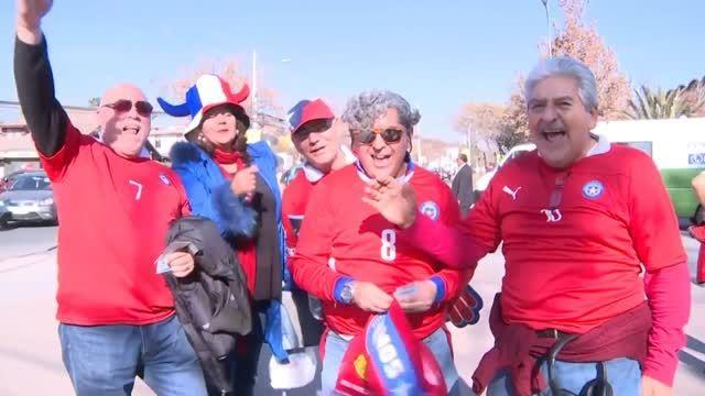 جشن و پایکوبی مردم شیلی پس از قهرمانی در کوپا آمریکا
