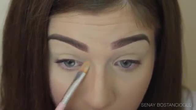 آرایش چشمهای ریز