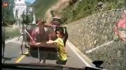 حادثه وحشتناک ریزش کوه در چین و زخمی شدن افراد!....