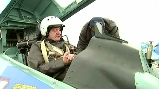 رئیس جمهور اوکراین و پرواز تست جنگنده سوخو 27