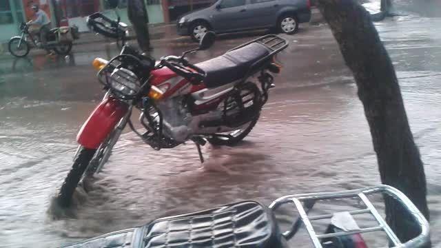 باران تابستانه اقلید