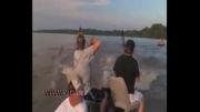 ماهیگیری با تیر و کمان....