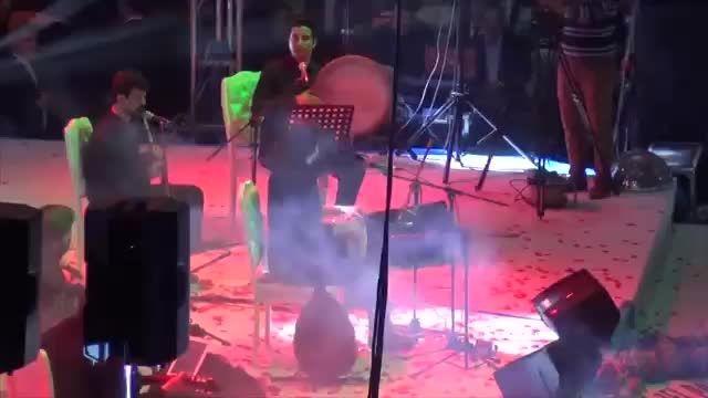 سامی یوسف- تنبک نوازی در کنسرت غازی آنتپ ترکیه ۲۰۱۵.