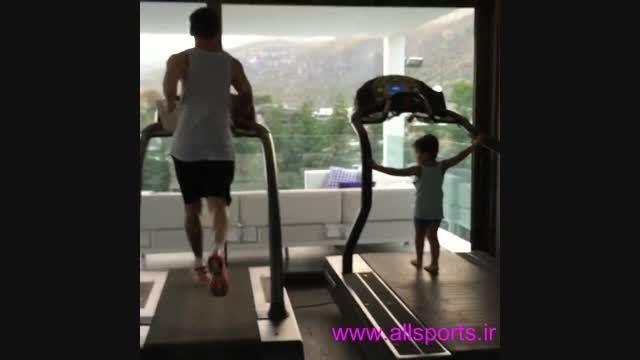 دویدن لیونل مسی در کنار پسرش تیاگو