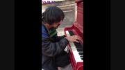 پیانیست کارتن خواب