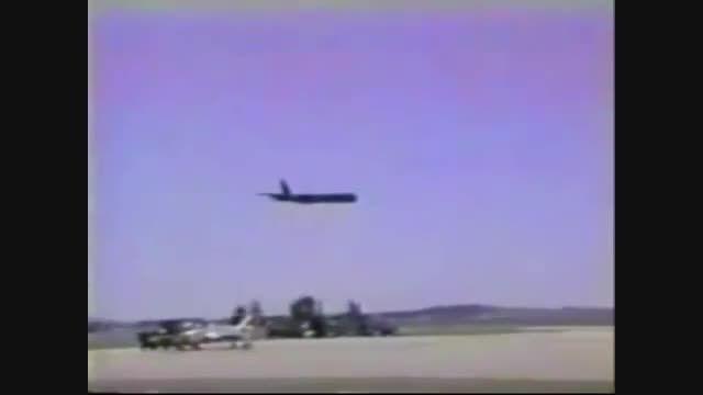 فیلم سقوط تراژیک هواپیمای پهن پیکر بی 52 در آمریکا