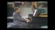 جان مادرتون بذارین یک دقیقه پیانو بزنم