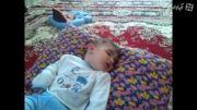ناله بچه درخواب