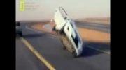رانندگی با ۲ لاستیک ماشین!!
