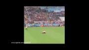 ورود یک مهاجم در بین بازی فوتبال آرژانتین و آلمان 2014