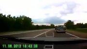 غافل شدن راننده ازپیچ جاده وتصادف