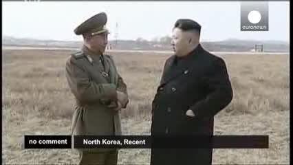 بازدید رهبر کره شمالی از پرواز زنان خلبان