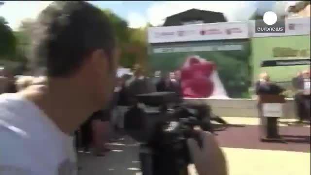حمله با تخم مرغ به نخست وزیر