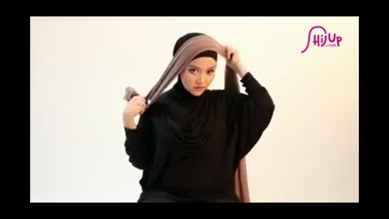 مدل زیبای بستن شال و روسری
