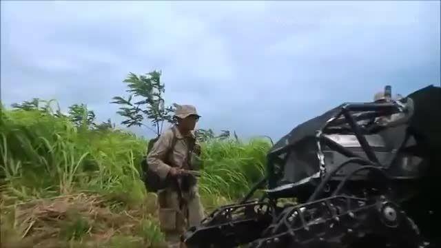 نظامیان آمریکایی در حال تست ربات سگ نما