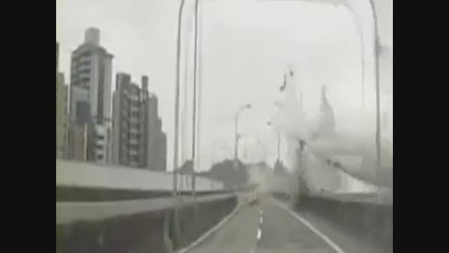 سقوط هواپیمای مسافری در تایوان