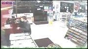 معلولی که توانست سارق مغازه را دست گیر کند...!!!