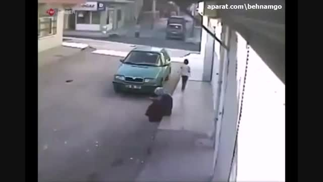 مرگ دلخراش بچه مقابل چشمان مادرش..!