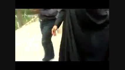 خبرنگاران:آقای ظریف چرا با اوباما دست داده اید(جالب)
