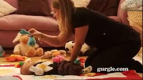 بازی  مورد علاقه نوزادان چیست؟