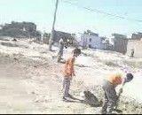 این بار افغان ها از کودکان شان  برای کار در گرمای 33 درجه تابستان استفاده می کنند
