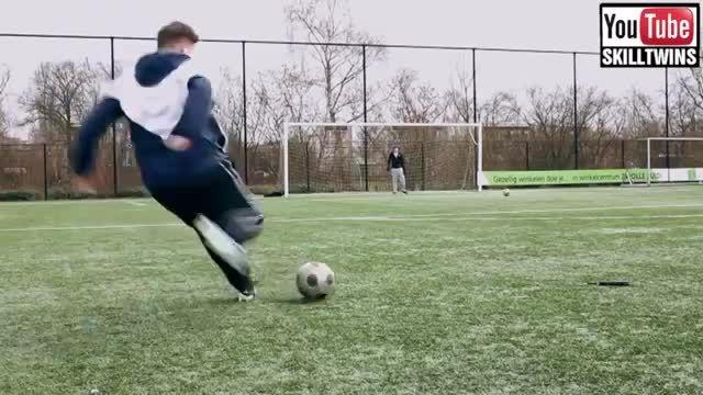 کسانی که با توپ فوتبال غوغا می کنند!