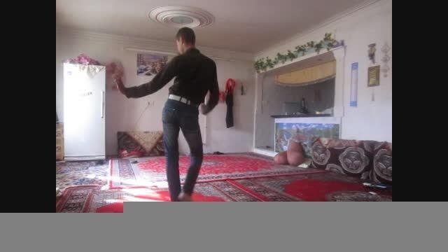 رقص باحال و شاد نوجوان ایرانی(خردادیان)(تنها درخانه)