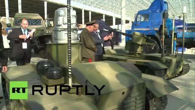 نمایشگاه ربات های جنگجو در مسکو روسیه URP-10G