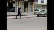 لحظه سرقت از بانک ملت مشهد شعبه دانش آموز توسط دو سارق مسلح