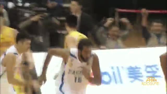 بسکتبال نویس - هایلایت های حامد حدادی در لیگ چین