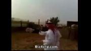 خوردن سوسمار و ادرار شتر و ملخ این عربها رو شاهده کنید