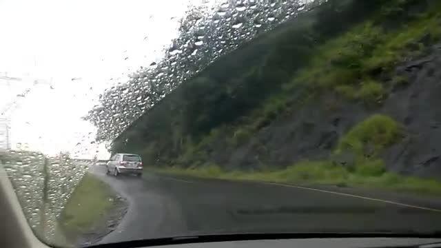 روح ترسناک در جاده خالی از سکنه!!