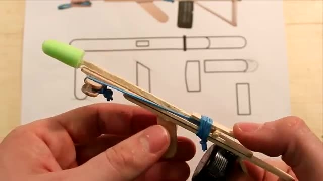 ساخته اسلحه کوچک با چوب بستنی و کش(+نقشه)