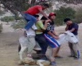 طنز و خنده دار-کلیپ خنده دار از سوار شدن 12 نفر روی خر-خیلی قشنگه