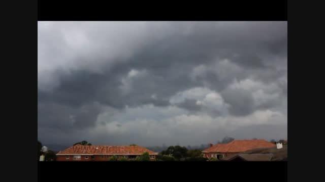 لحظه وقوع طوفان شدید در آسمان سیدنی!!