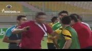 درگیری شدید عابدزاده با داور در حاشیه دیدار اس .خوزستان